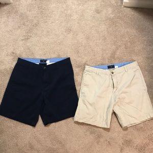Men's Short. 5 inch inseam. Size 32